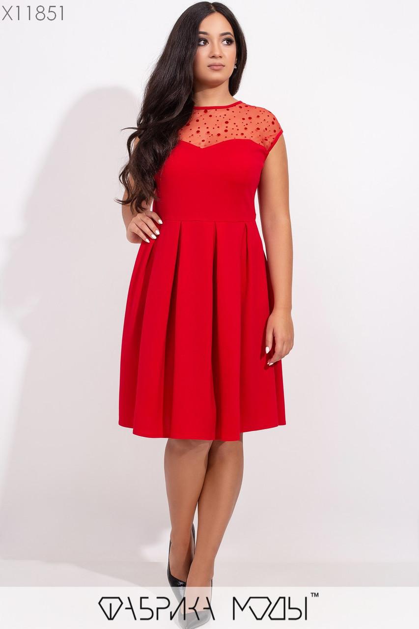 Платье с двухсторонней кокеткой в горошек из сетки с флоком и расшклешенной юбкой в складку X11851