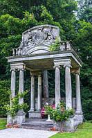 Памятники элитные эксклюзивные с резьбой