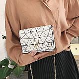 Женская классическая черная сумочка на цепочке клатч белая, фото 3