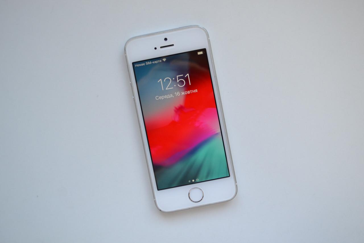 Apple Iphone SE 32Gb Silver Neverlock Оригинал!