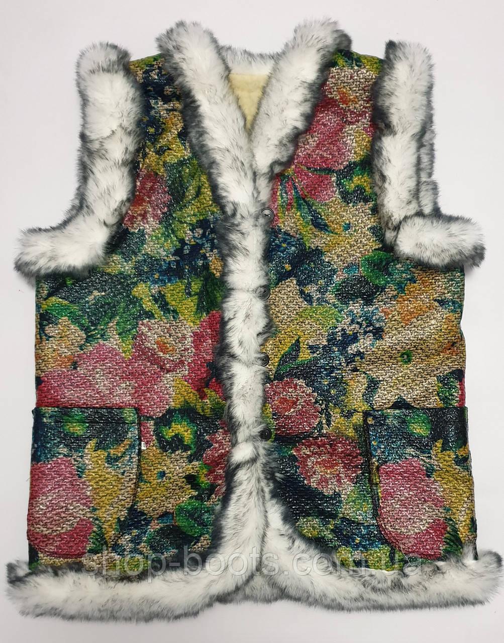 Жилетки оптом на искусственном мехе. Размеры 48-62. Модель жилетка цветы кролик