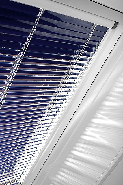 Жалюзи на мансардные окна Roto