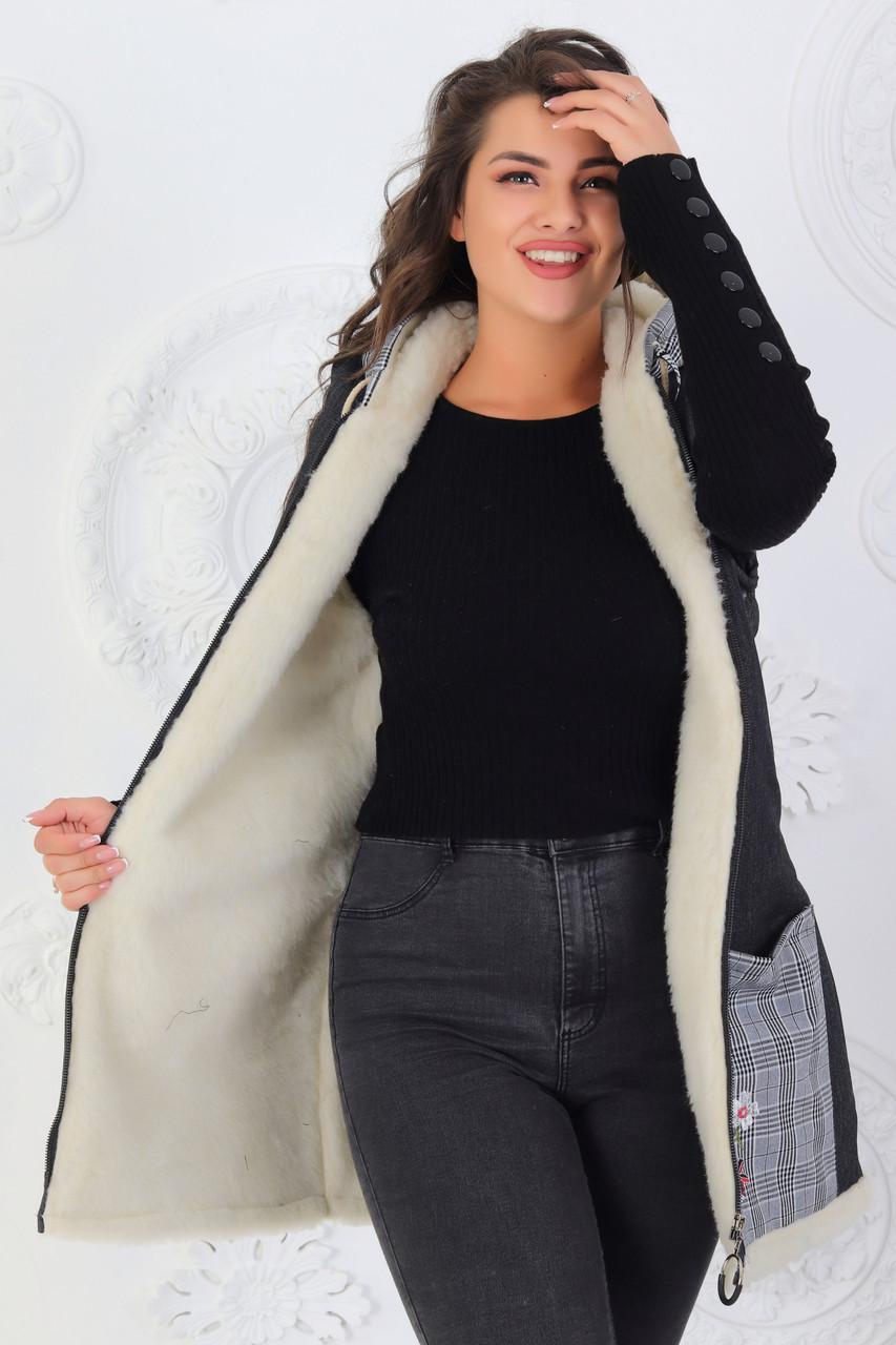 Женская теплая джинсовая жилетка на меху с накладными карманами, большие размеры 48-56