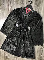 Черный короткий  велюровый халат с кружевом 082-1.
