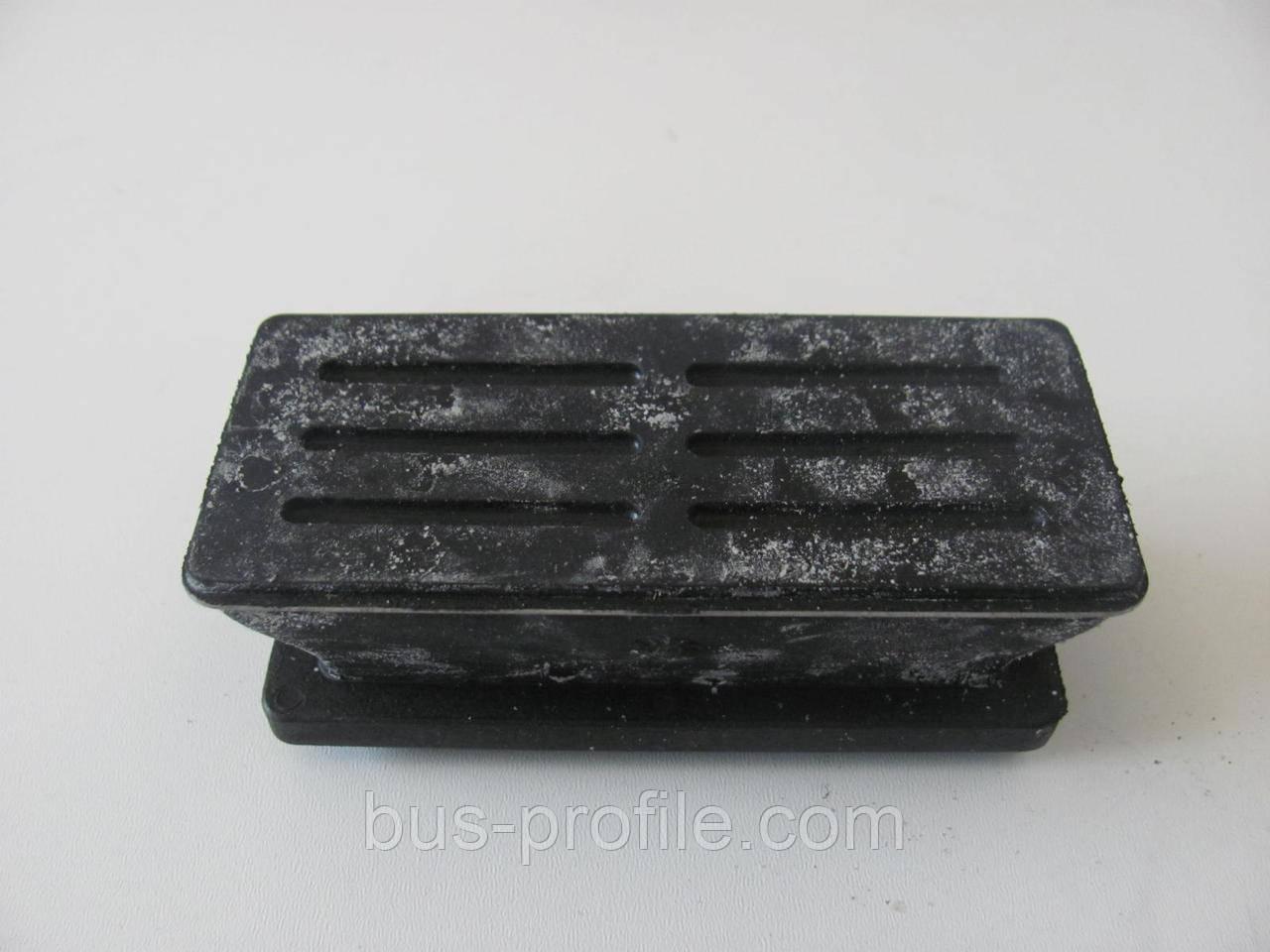 Подушка передней рессоры (1 лист) MB Sprinter 96-06 (нижняя L)  — MERCEDES — 9013221419