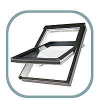 Мансардное окно ручка снизу ПВХ Факро PTP-V U3 55 х 78 см для влажных теплых помещений, с микро проветриванием