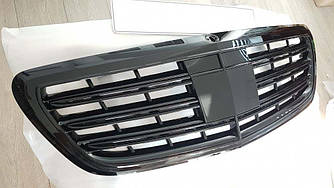 Решетка радиатора Mercedes S W222 в стиле AMG (черный глянц)