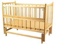 Кроватка детская классическая для новорожденных с маятниковым механизмом и откидным бортиком натуральная Ольха