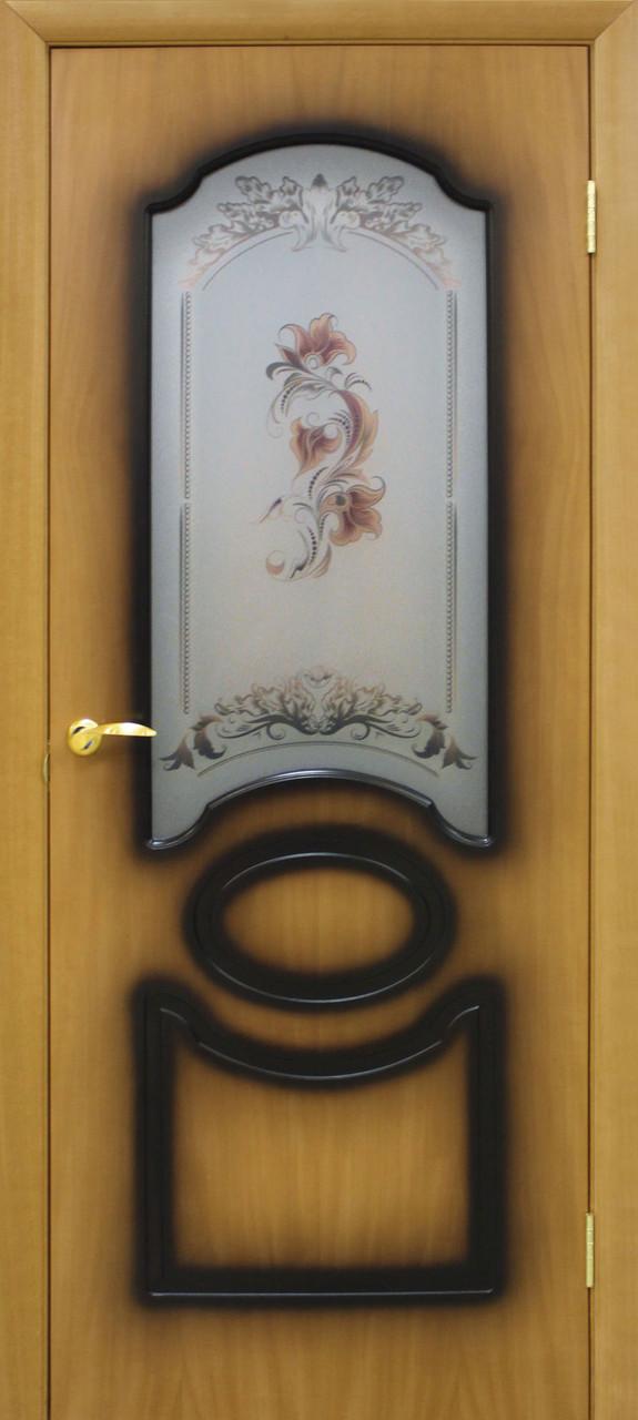 Дверь межкомнатная Виктория СС цветок орех миланский