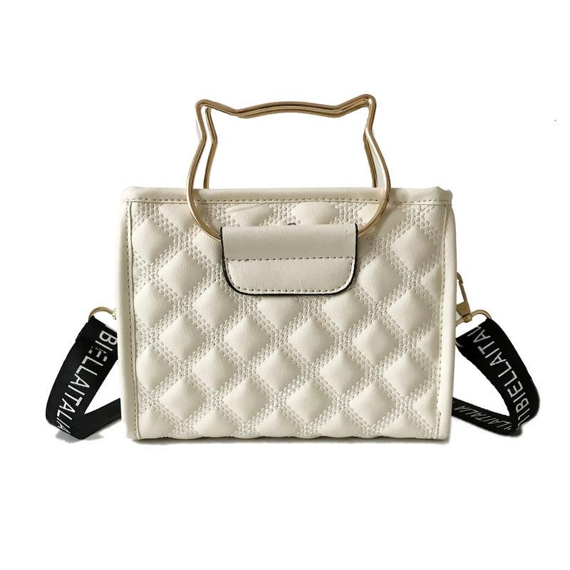 """Женская классическая сумочка на ремне """"Кошка"""" белая"""