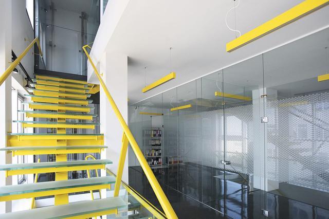 Офисные линейные светильники 60х70