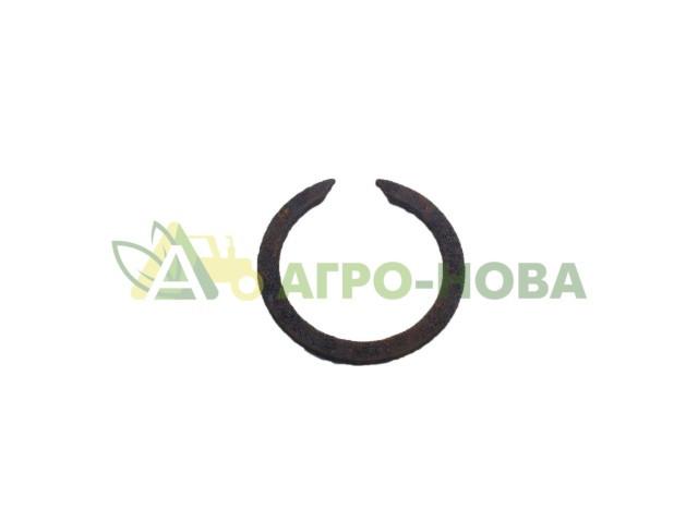 Кольцо стопорное промежуточного вала КПП ЮМЗ