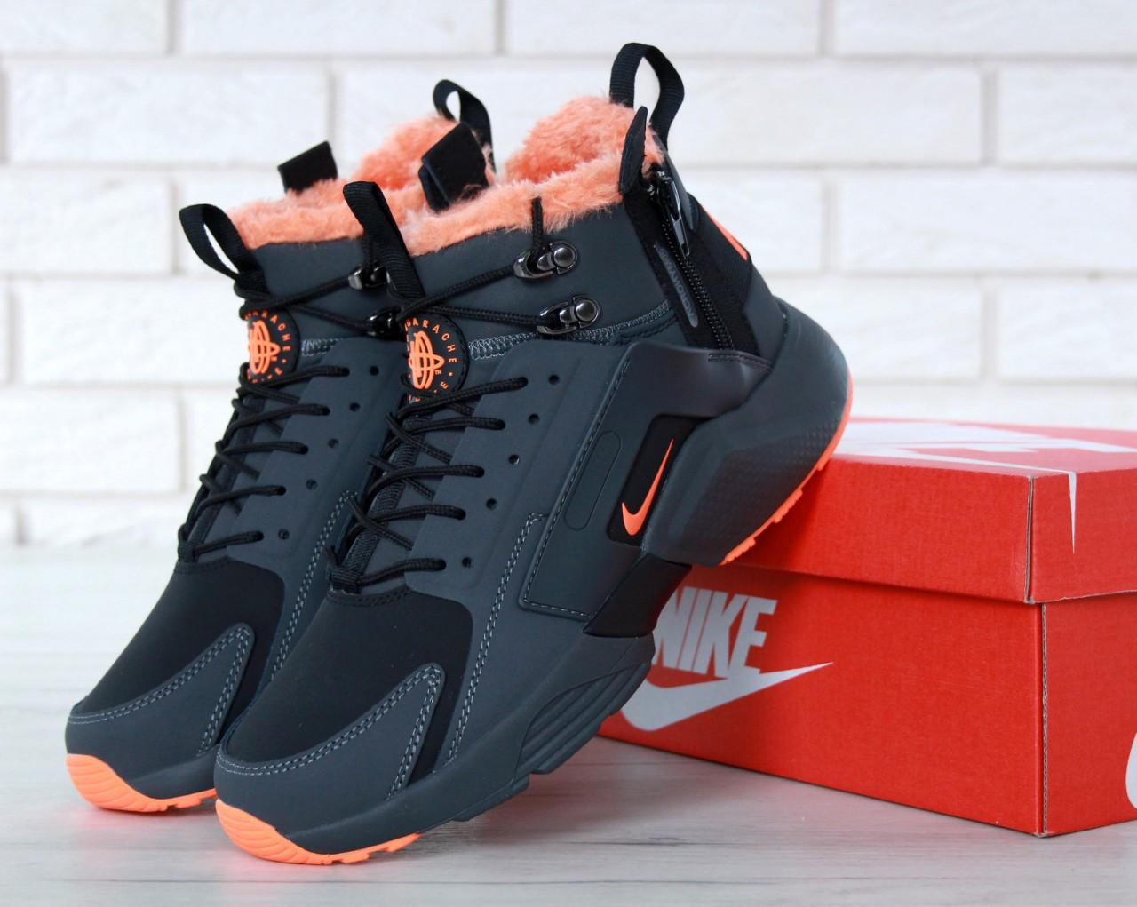 Мужские зимние кроссовки Nike Air Huarache Winter с мехом (черно-оранжевые)