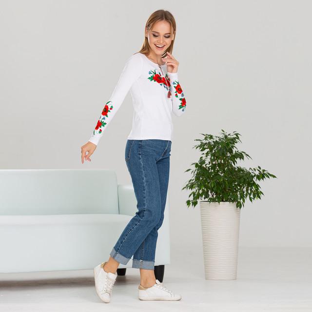 Женская вышиванка трикотажная Маки белая