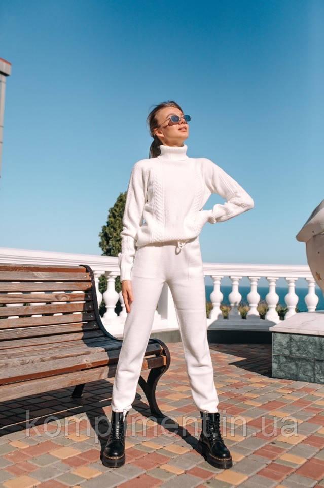 Крутой молодежный бесшовный костюмчик с итальянской пряжи «Баунти», белый