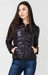 Жіноча ультралегкий стьобана чорна коротка куртка-піджак на кнопках