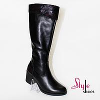 Сапоги женские зимние из натуральной кожи на каблуке черного цвета