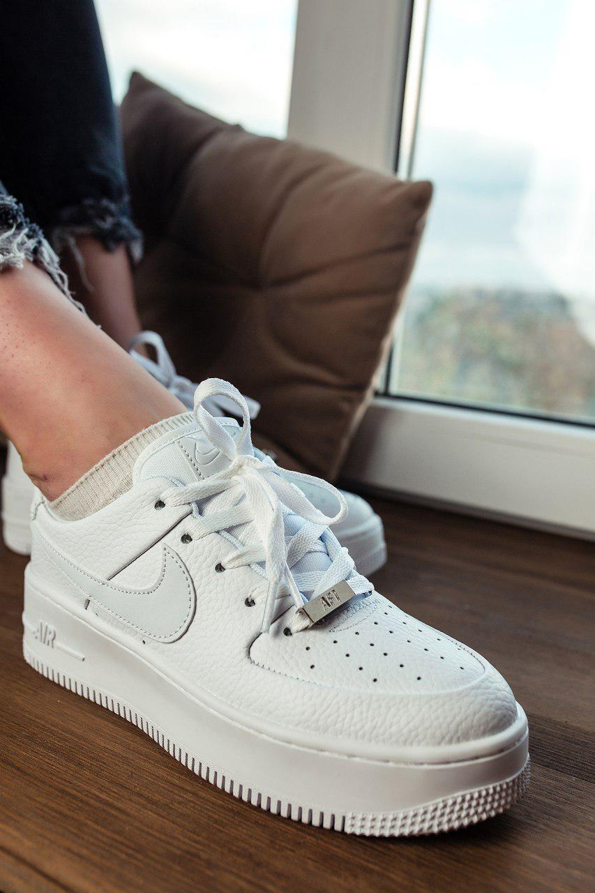 Кроссовки женские Nike Air Force sage low в стиле найк форсы белые (Реплика ААА+)
