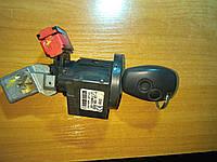 Замок запалювання Master III/Kangoo 2008- / Clio III/twingo/ 8200214168 / 8200405701 б/у з контактною групою