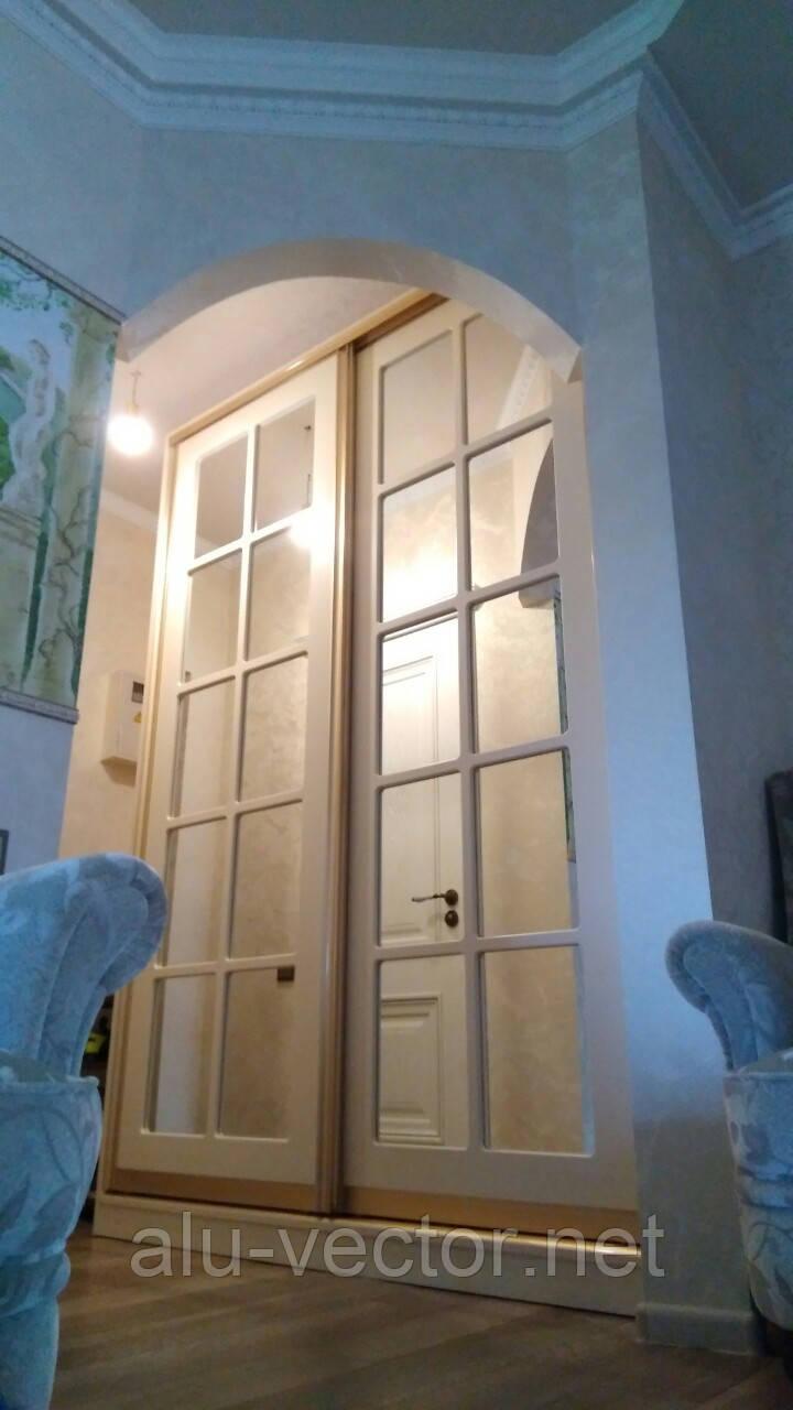 Двери купе с витриной из МДФ