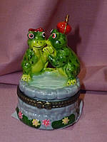 Декоративная керамическая шкатулка - статуэтка фигурка две жабки 7,5 сантиметров высота