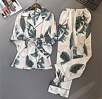 Пижама атласная белая с зелеными и розовыми листьями (штаны, рубашка). Размер L.