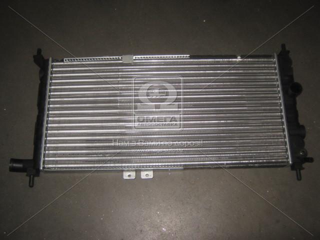 Радиатор охлаждения двигателя KADETT E/COMBO A 1.6/1.8 (Van Wezel). 37002064