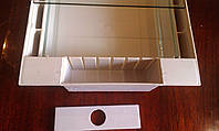 Кормушка квадратная под стекло 1.6 л