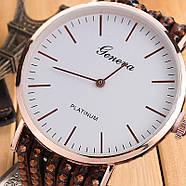 Женские часы браслет со стразами и коричневым ремешком, фото 2