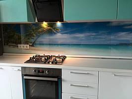 монтаж кухонного фартука с фотопечатью на стену с помощью специального клея
