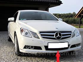 Mercedes E купе W207 W 207 решітка бампера центральна нова оригінал