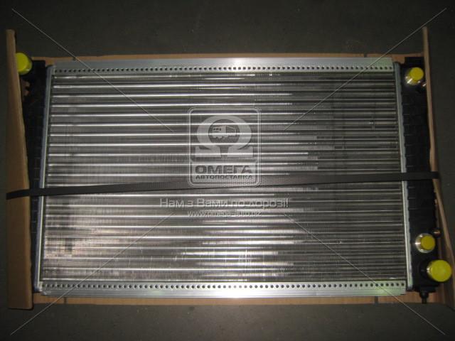 Радиатор охлаждения двигателя AUDI A4 AT +/-AC 96-00 (Van Wezel). 03002125