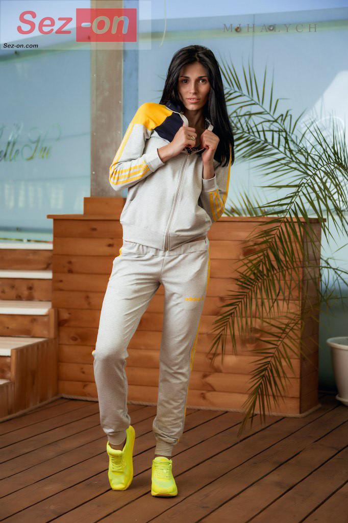 Костюм спортивний жіночий штани і куртка Адідас ― Сірий