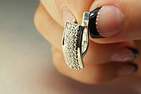 Нарядные серьги из серебра с фианитами и золотом