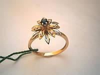 Женское кольцо с фианитом