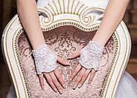 Свадебные перчатки 15-257 (короткие, белые)