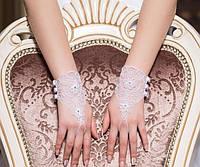 Свадебные перчатки 15-273 (белые) на пуговичках