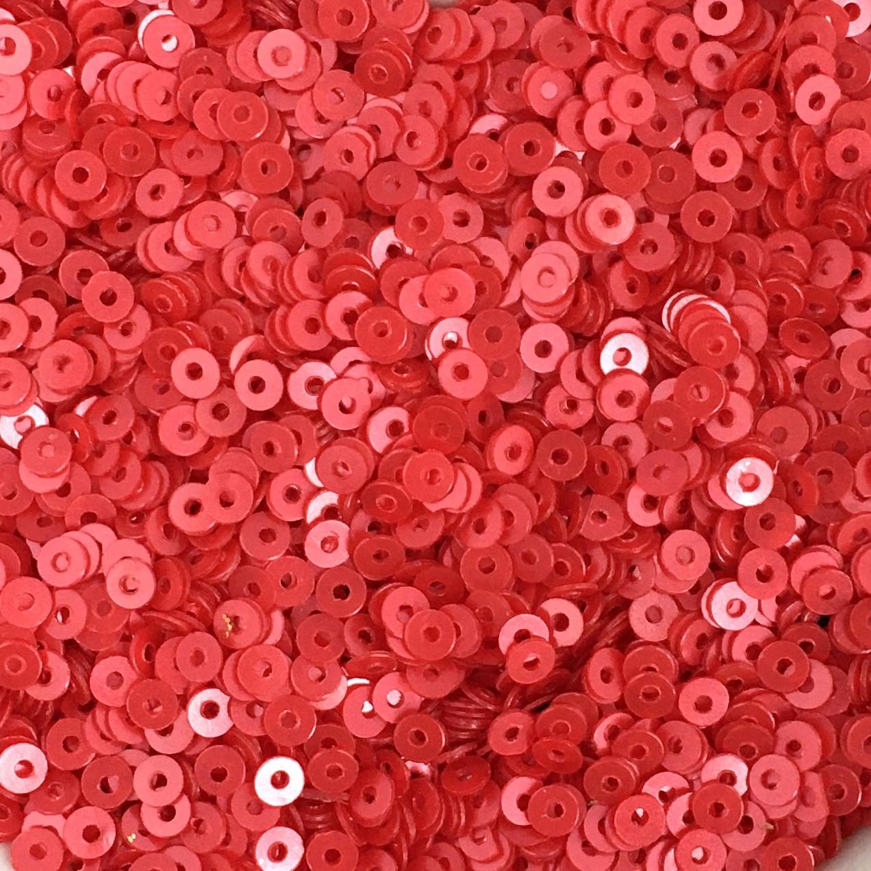 Пайетки 2 мм (Индия). Круглая плоская. Красная роза (сатин). Упаковка 5 гр.