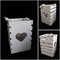 Белый оригинальный ящик-фонарь с ручкой, дерево,выс. 25 см, 175/150 (цена за 1 шт. + 25 гр.)