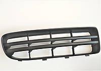Правая пассажирская решетка переднего бампера Шкода Октавия ТУР тип 2 SkodaMag Винница 1U0807368C