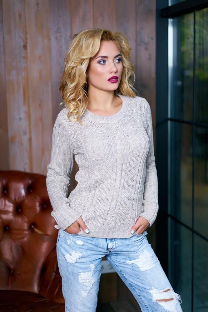 Женский свитер бежевый шерсть
