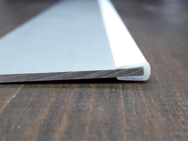Окантовочный | Торцевой пластиковый профиль. Универсальный, толщина материала  2- 5мм. Цвет белый