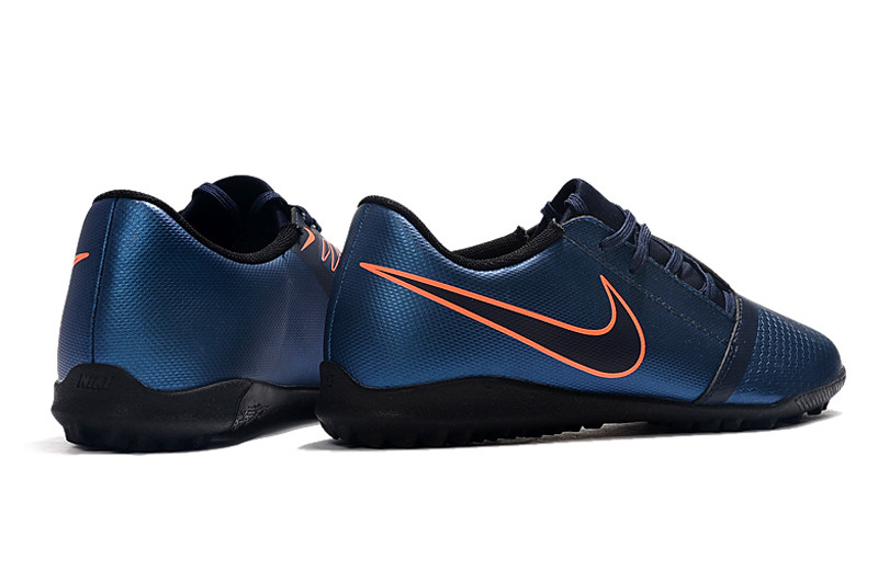 Футбольные сороконожки Nike Phantom VNM Club TF