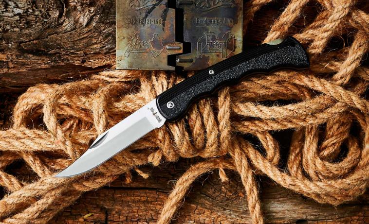 Нож складной, с пластиковой рукояткой, с многозадачным клинком, не громоздкий и не хлипкий, на каждый день