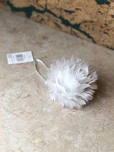 Новорічна іграшка квітка біла м'яка