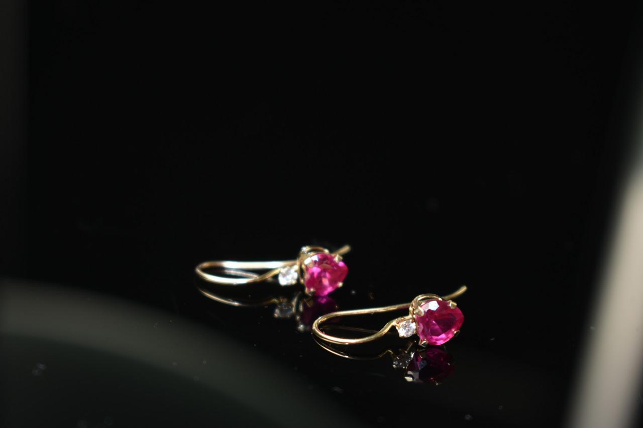 Золоті сережки 10К ( 417 проба) з Рубіном і Діамантами *Серце*