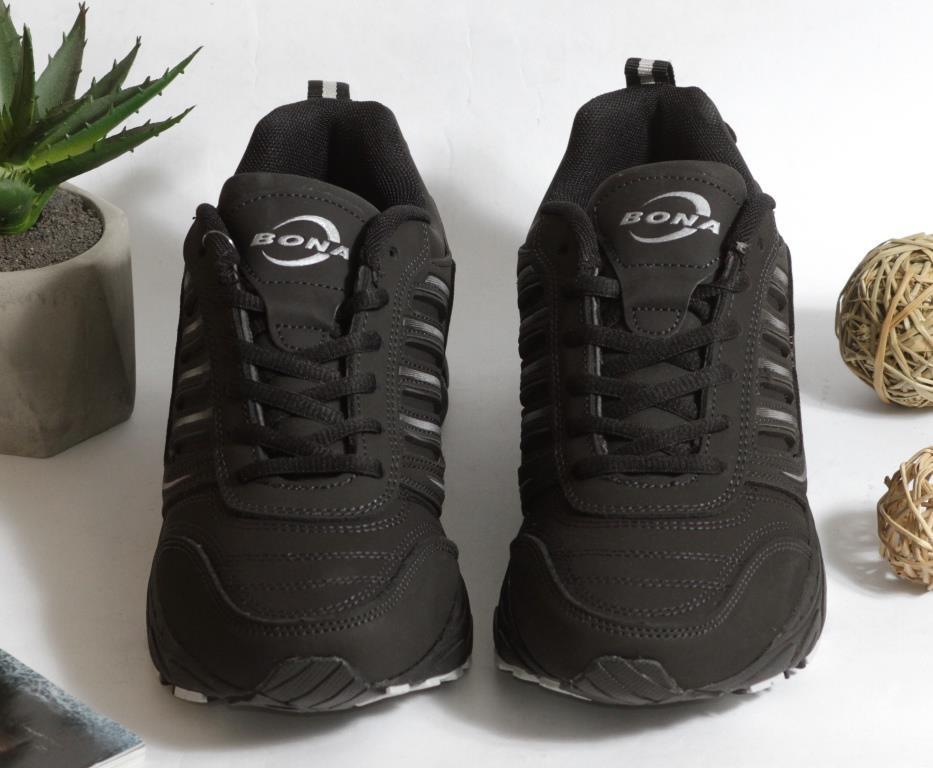 0366 Кроссовки BONA из натуральной кожи.Черные. 37 размер - стелька 23,5 см