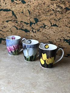Чашка керамічна з тюльпанами