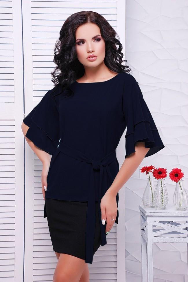 """Легкая шифоновая темно-синяя блузка с широким рукавом воланом, на поясе """"Louise"""" большие размеры"""