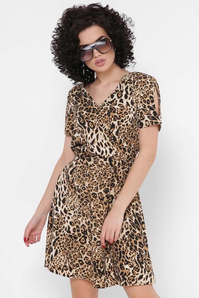 Короткое женское легкое платье в леопардовый принт с короткими рукавами
